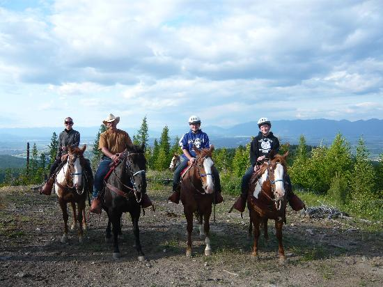 Artemis Acres Paint Horse Ranch: Family Horseback Ride