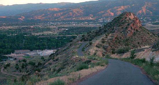 Canon City, Colorado: Skyline drive at dusk