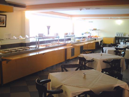 Lobosol Paradise Apartments : Il buffet del ristorante