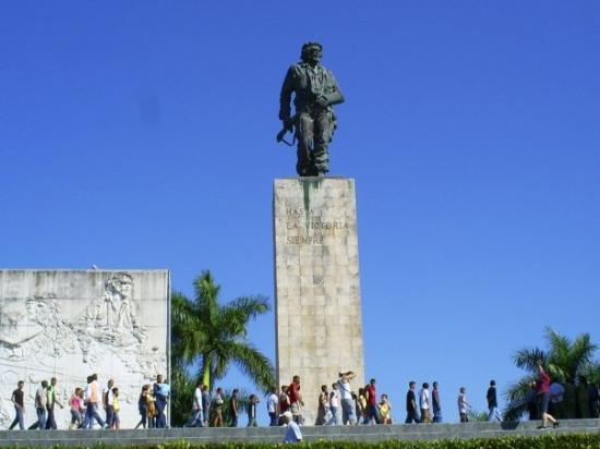 Varadero, Cuba: che guevara statue @ santa clara,CUBA