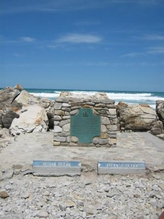 Cape Agulhas, แอฟริกาใต้: Two oceans