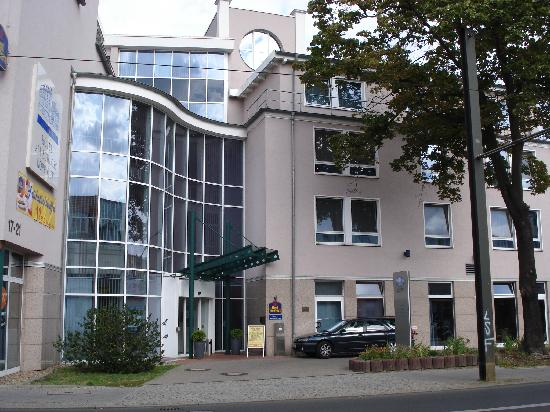 Hotel Am Schloss Koepenick Berlin by Golden Tulip: Best Western - Eingangsbereich