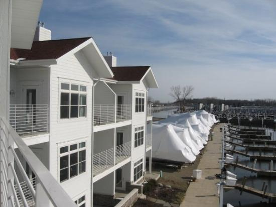 นิวบัฟฟาโล, มิชิแกน: A side view of the Harbor Grand, New Buffalo, MI