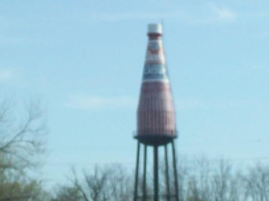 คอลลินสวิลล์, อิลลินอยส์: Largest Ketchup bottle in the country -- Collinsville, IL
