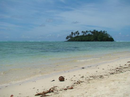 """Rarotonga, Cook Islands: Another """"motu"""""""