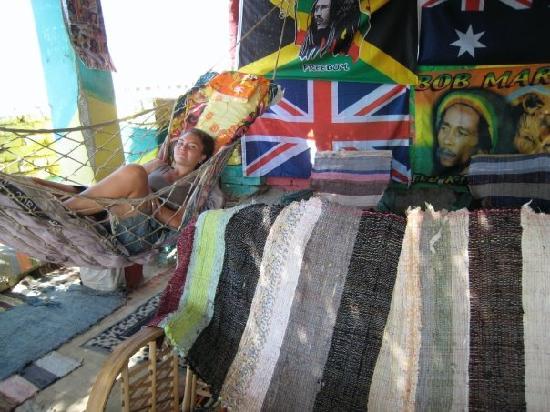 Bob Marley House Hostel: Hamac on the roof