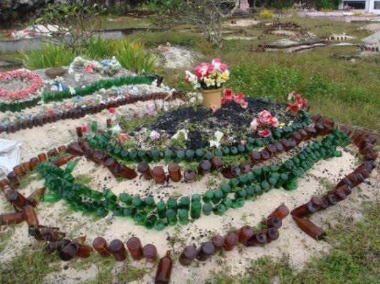 Tongatapu Island, Tonga: graves