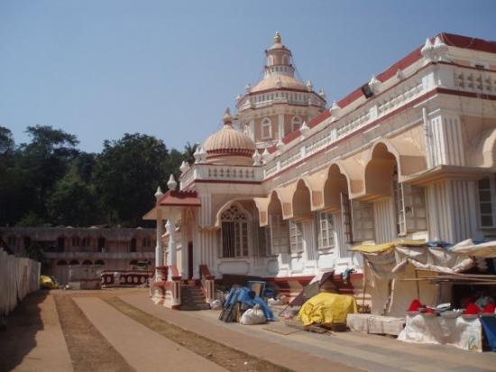 Panjim, อินเดีย: En tempel