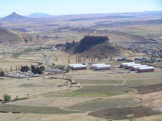 Mohales Hoek, เลโซโท: Castle Rock Lesotho with Ntlafatso Training Centre at the far base