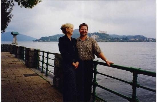 สเตรซา, อิตาลี: Linda and Keith struttin' at Stresa. Stresa, Italy and Lago Maggiore.