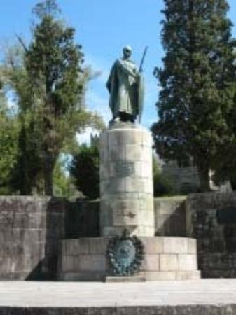 Guimaraes, โปรตุเกส: Don Afonso Henriques, 1st king of Portugal