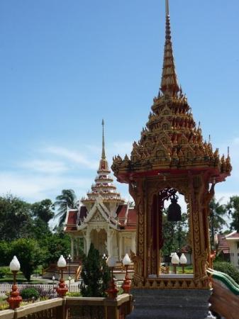 วัดไชยธาราราม (วัดฉลอง): Wat Chalong at a glance