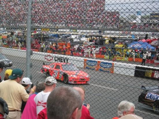 Martinsville (IN) United States  city photo : Jeff Burton at Martinsville in 2007.