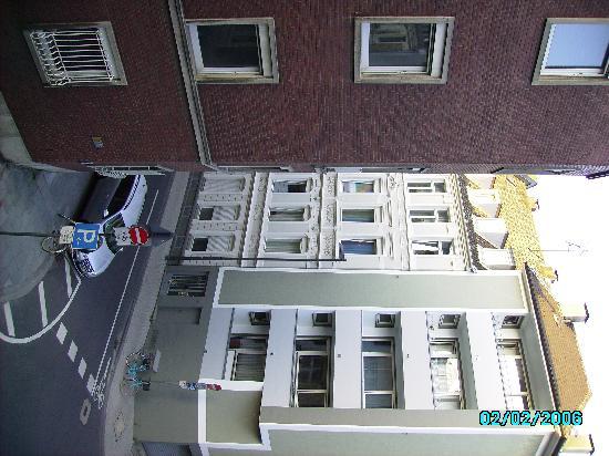 Hotel Santo: Vistas habitación 208