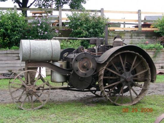 Old International Harvester : Old international harvester tractor picture of