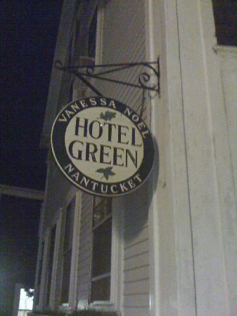 Vanessa Noel HOTEL GREEN