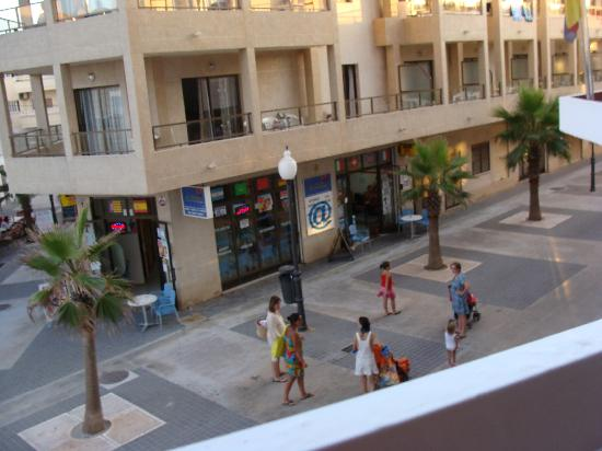 Universal Hotel Perla: vue de notre chambre