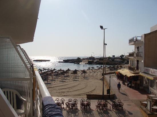 Universal Hotel Perla: autre vue de notre chambre
