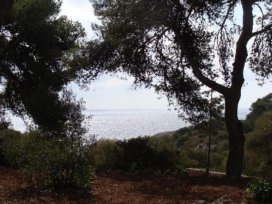 S'illot, Spanyol: aux grottes du diable