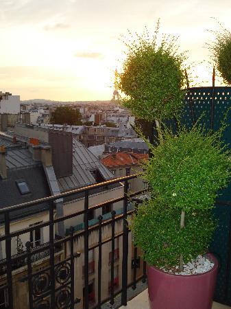 เลอ ลิทเทรอ โฮเต็ล: The terrace