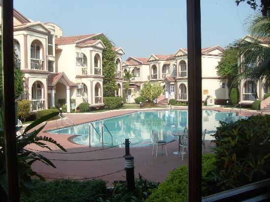 Hotel Kohinoor: Kohinoor hotel, Diu, interior pool