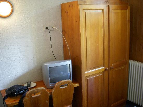 Lacs Hotel: l'armadio e la Tv