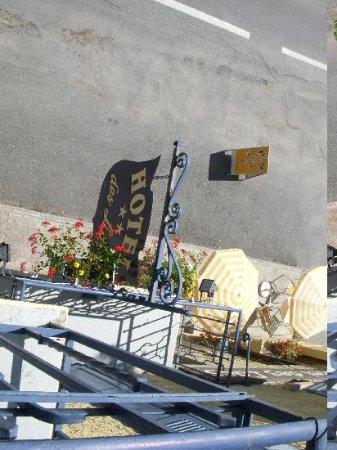 Lacs Hotel: ingresso visto dal balconcino