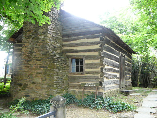 ‪Historic Ogle Log Cabin‬