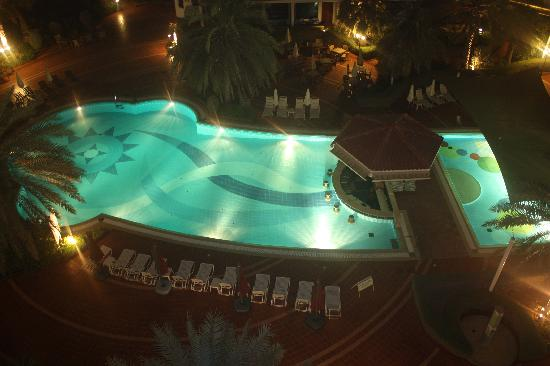 Kempinski Hotel Ajman: The pool area, photo from balcony