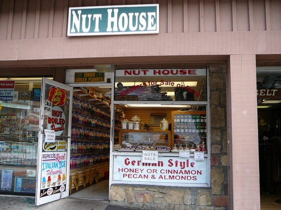 ‪Smoky Mountain Nut House‬