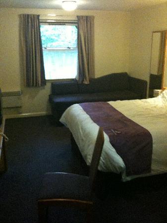 Premier Inn Bournemouth/Ferndown Hotel: Room