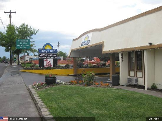 Days Inn Bend: From Outside