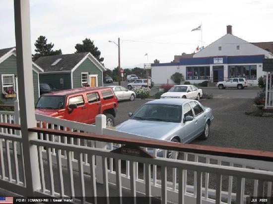 Swan Hotel: Car Park
