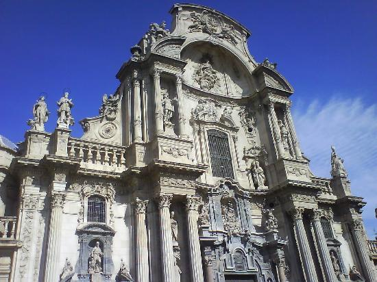 Catedral de Santa María: fachada principal