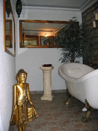 zimmer romantika bild von ferienhaus und pension vier napoleonslinden auerstedt tripadvisor. Black Bedroom Furniture Sets. Home Design Ideas