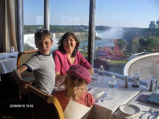 Skyline Hotel & Waterpark: perfect view for dinner