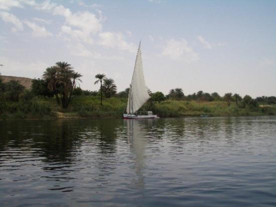 Luxor, Ägypten: Falucca on the Nile