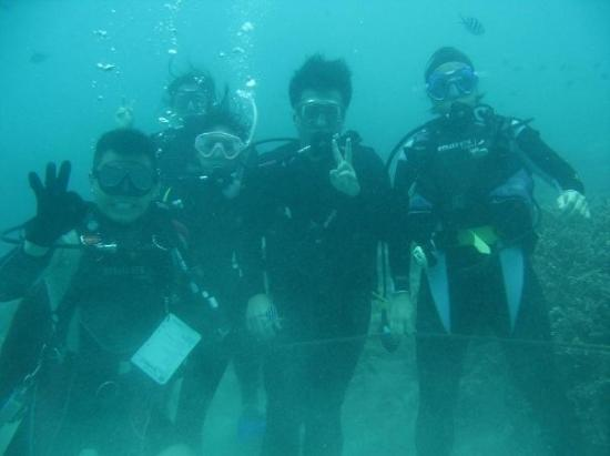 Pulau Aur, Malaysia: Openwater Class 22 + Pam in Water