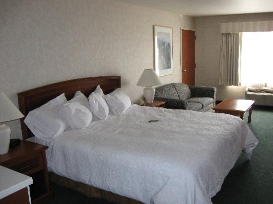 La Quinta Inn & Suites Coeur d' Alene: Very comfy! Nice linen too!