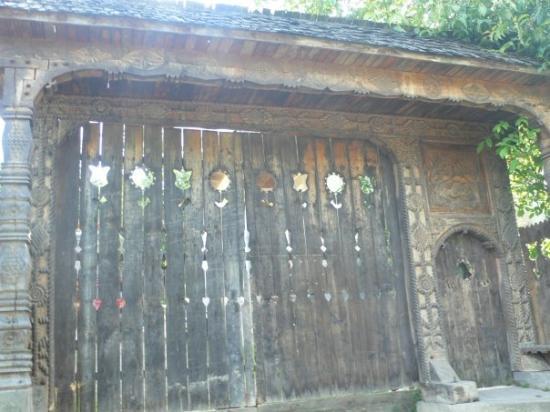 Baia Mare, Rumunia: Portada de casa de la zona de Maramures