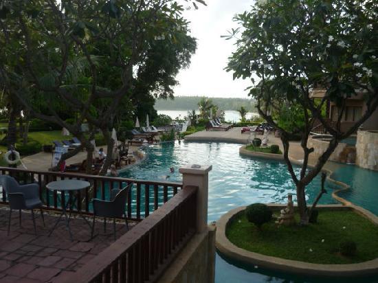 อันดามัน แคนนาเซีย รีสอร์ท แอนด์ สปา: Andaman Cannacia pool