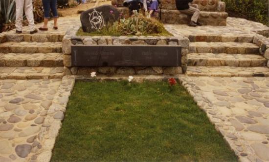 Isla Negra, Pablo Neruda grave