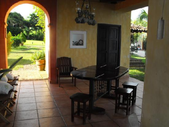 Hotel Villa Romana: The entry