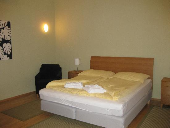 Arcadia Residence: Bedroom