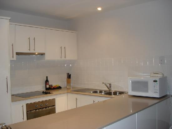 Ozone Apartments - Kingscote - Kangaroo Island - Kitchen