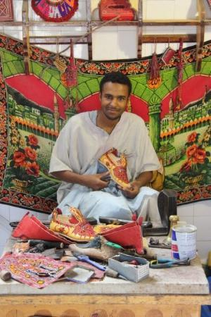 Ghadamis, ลิเบีย: Ghadames - where their main industry is embroidered slippers - fair dinkum.