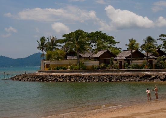 Shangri-La's Tanjung Aru Resort & Spa: Spa From Across The (Small) Beach