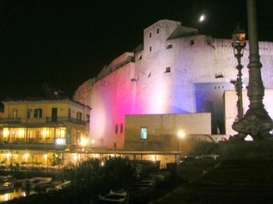 Castel del Ovo - Napoli - ナポ...