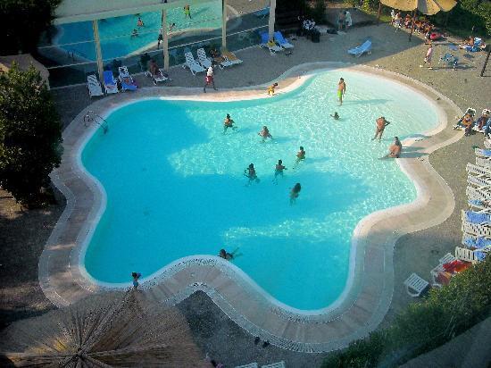 Nicotel Pineto: La piscina scoperta