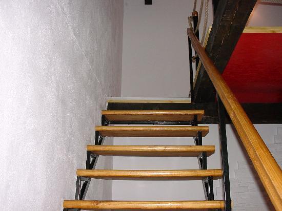 Villa Santa Maria: ...die Treppe Nach Oben.